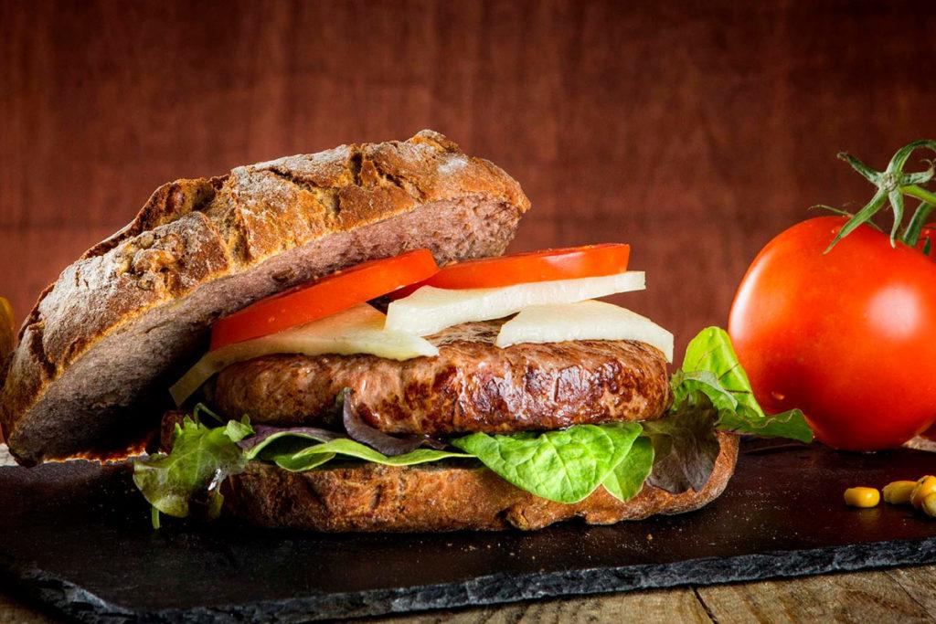 distribución de hamburguesas gourmet de carne, pollo y veggies para hostelería